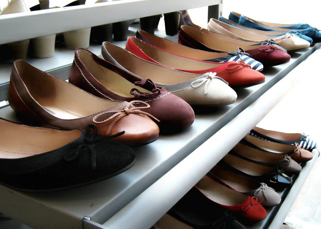 acquistare scarpe negli outlet online
